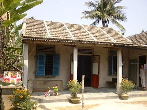 Typical three bay house with strengthened roof.
