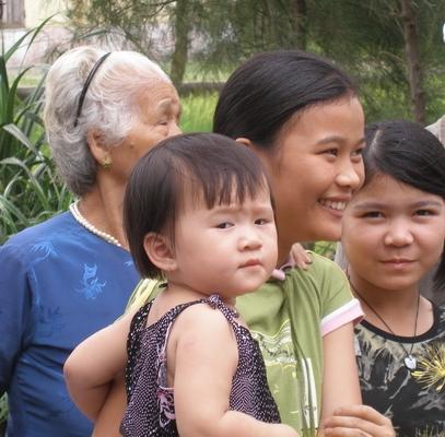 DW - VN Vietnam families